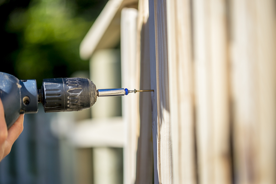 drill making fence repairs in alexandria virginia