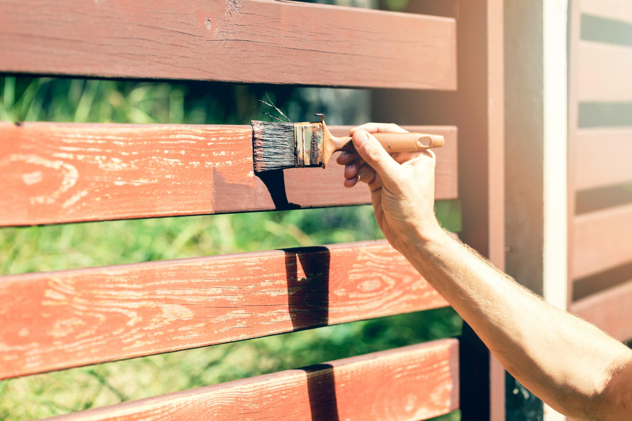 staining a wood fence in alexandria virginia